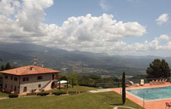 Holiday Villa rent with pool in Garfagnana Lucca Tuscany